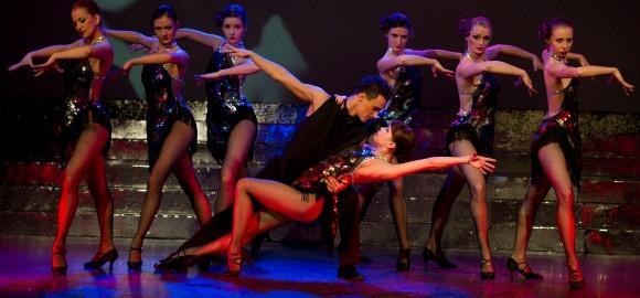 zdjęcie tancerka i tancerz
