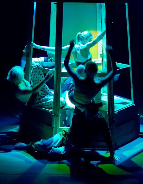 zdjęcie z przedstawienia teatralnego