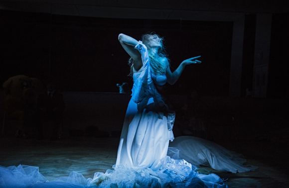 2015-Dybuk_fot.-Magda-Hueckel-(1)-mat.pras.Teatru-Żydowskiego-CKJ-(1)