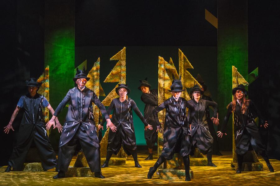 teatr guliwer obcy w lesie (4)